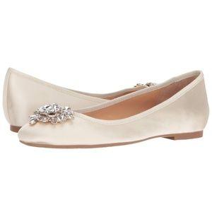 Badgley Mischka Bianca Ivory Flats